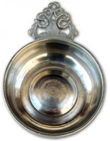 Photo of American Porringer with Old English Handle